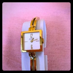 Coach watch Gold & white pearl !
